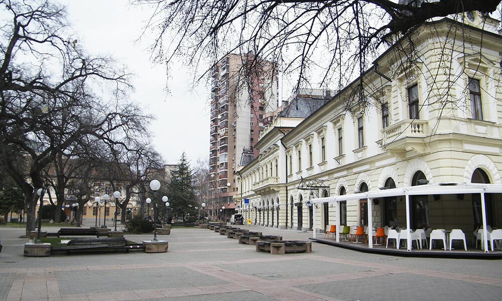 foto-2-stapska-zgrada-prati-trasu-severoistocnog-bedema