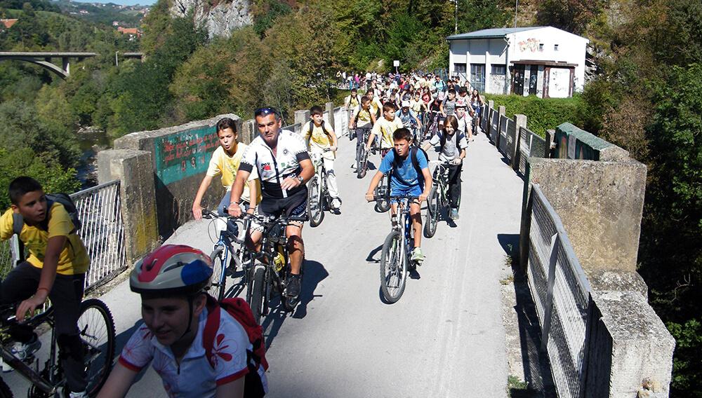 foto-3-karavan-biciklista-u-promotivnoj-voznji-dolinom-djetinje