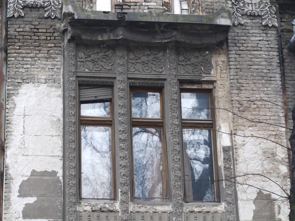 slika-7-detalj-fasade-kuce-erbesta-lendvaija-djure-djakovica-19