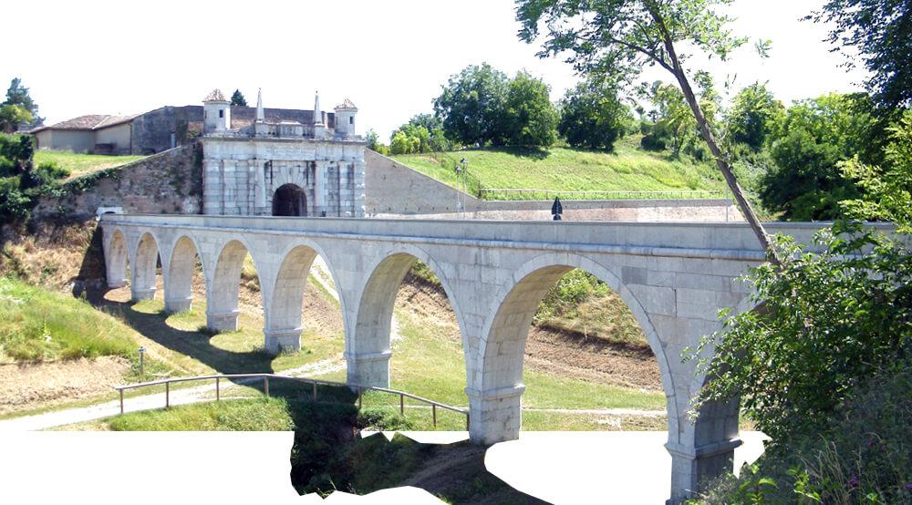 FOTO Porta Udine i akvadukt uz pristupni put